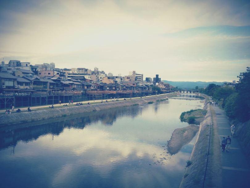 Rivière Kamogawa, traversant le centre de Kyoto